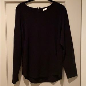 NWOT SZ 1 black Chico's sweater w/gold back zipper